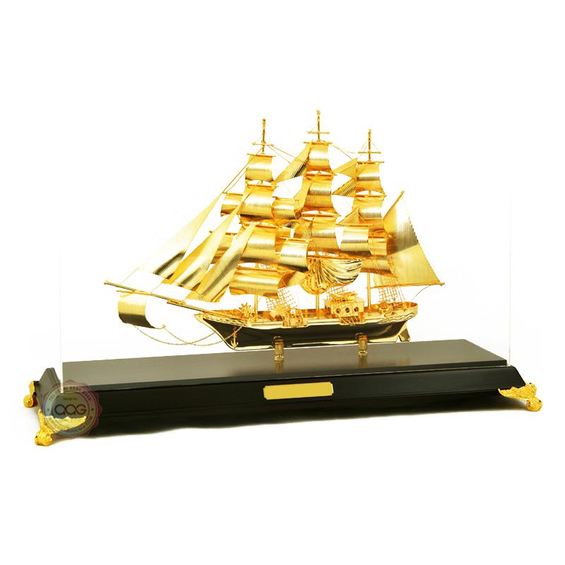 thuận buồm xuôi gió, mô hình thuyền mạ vàng để bàn