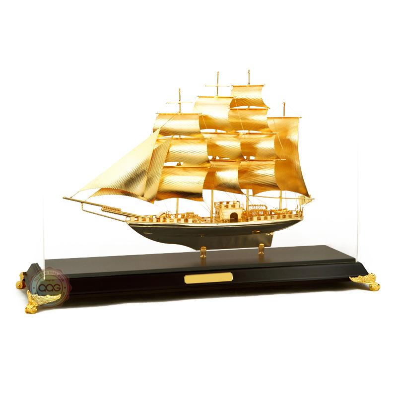 Mô hình thuận buồm xuôi gió làm quà tặng